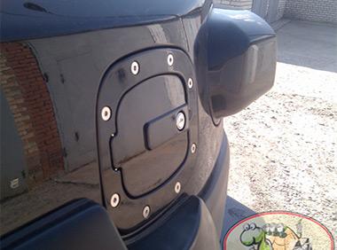 Лючек бензобака под ключ (черный)
