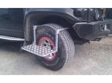 Раскладная ступенька на колесо
