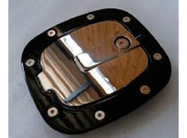 Лючек бензобака под ключ (черный+хром)